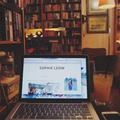 Photo taken at The Reading Room by Sophie L. on 9/5/2015