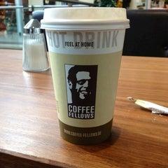 Photo taken at Coffee Fellows by Franziska G. on 9/27/2012