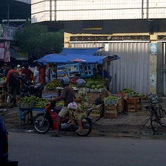 Photo taken at Pasar Kangkung by Catur W. on 10/20/2012