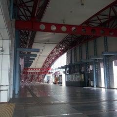 Photo taken at 豊川駅 (Toyokawa Sta.) by K Y. on 7/21/2013
