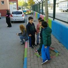 Photo taken at Remzi Zümrüt İlk Öğretim Okulu by Refiye A. on 11/18/2015