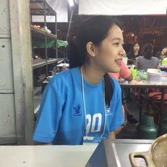 Photo taken at หมูกระทะ ช้างเผือก (Chang Phuek BBQ) by Gubgib W. on 11/15/2015