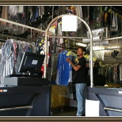 Photo taken at 5th Avenue Cleaners by 5th Avenue Cleaners on 10/27/2015