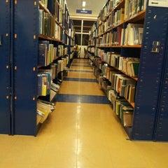 Photo taken at Biblioteca Central - PUCP by Javo on 10/4/2012
