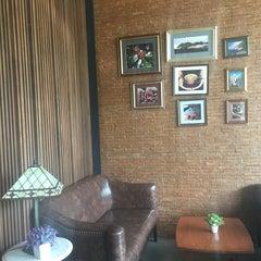 Photo taken at Wawee Coffee (กาแฟวาวี) by Job K. on 4/24/2016