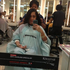 Photo taken at IRWANTEAM Hairdesign by Shofia F. on 5/17/2013