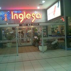 Photo taken at Tienda Inglesa by Gabriel M. on 2/1/2013