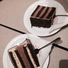 Photo taken at Secret Recipe by Farhana I. on 9/23/2015