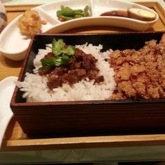 Photo taken at Fong Lye Taiwan Restaurant (蓬莱茶房) by Kuan Hoong on 1/19/2013