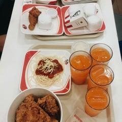 Photo taken at KFC by Ann A. on 11/16/2015