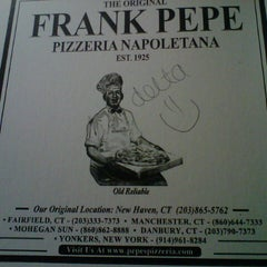 Photo taken at Frank Pepe Pizzeria Napoletana by Delta V. on 10/27/2012