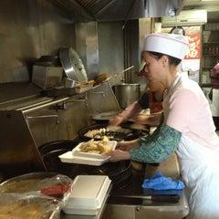 Photo taken at Prosperity Dumpling by Linda Y. on 4/20/2013