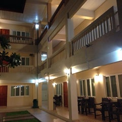 Photo taken at โรงแรมปูนนกันต์ | อ.แม่สอด จ.ตาก by Thomas P. on 9/9/2014