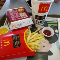 Photo taken at McDonald's by Sandro F. on 4/19/2013