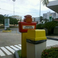 Photo taken at McDonald's by Isabella T. on 11/25/2012