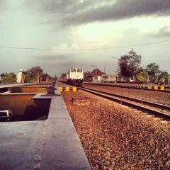 Photo taken at Stasiun Patukan by Wenang E. on 10/18/2013
