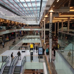 Photo taken at Westfield Stratford City by Jacquie S. on 11/22/2012