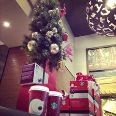 Photo taken at Starbucks by Fanny L. on 12/1/2012