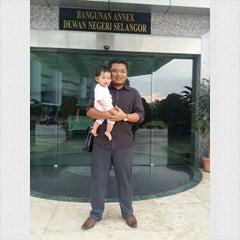 Photo taken at Dewan Undangan Negeri Selangor by Alif R. on 3/11/2015