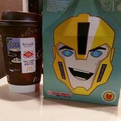 Photo taken at McDonald's by J V. on 4/26/2015