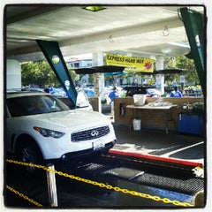Photo taken at Lozano Brushless Car Wash by Aleksandra on 10/3/2012