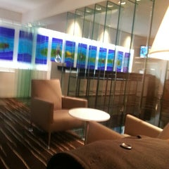 Photo taken at Qantas Club Lounge by Cheryl L. on 7/11/2013