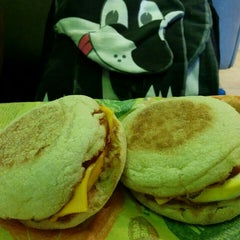 Photo taken at McDonald's by Morton F. on 11/7/2015