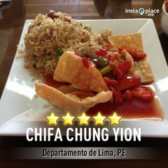 Photo taken at Chifa Chung Yion by Josue A. on 5/14/2013