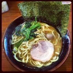 Photo taken at 横浜ラーメン町田家 町田本店 by きっしぃ @. on 12/1/2014
