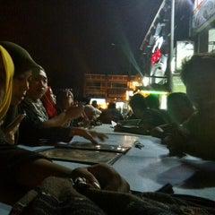 Photo taken at Restoran Air Buah Gelas Besar by Izzudin Z. on 12/6/2015