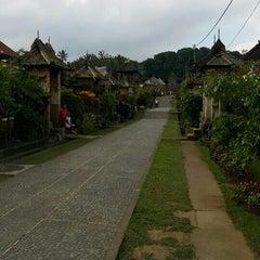 Photo taken at Desa Adat Tradisional Penglipuran (Balinese Traditional Village) by Verawaty H. on 6/25/2015