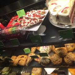 Photo taken at Starbucks (สตาร์บัคส์) by __XSEP on 11/28/2015