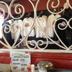 Photo taken at Eddie's Restaurant by Andrew S. on 6/1/2013