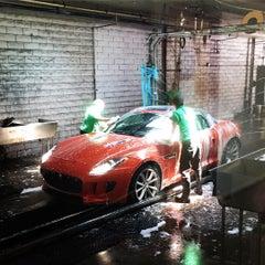 Photo taken at Sherman Oaks Car Wash by OA S. on 8/11/2015