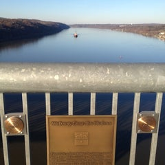 Photo taken at Walkway Over the Hudson State Historic Park by Asa C. on 11/22/2012