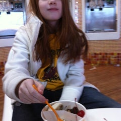 Photo taken at Orange Leaf Frozen Yogurt by Cheryl G. on 1/24/2014