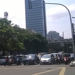 Photo taken at Pusat Grosir Metro Tanah Abang (PGMTA) by Iska A. on 12/29/2015
