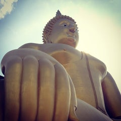 Photo taken at วัดม่วง (Wat Muang) by E_HeRe_Yoi_RaNGeR on 5/26/2013