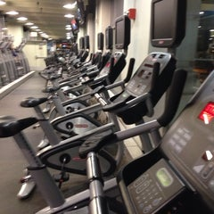 Photo taken at 24 Hour Fitness by Philip Z. on 6/22/2013