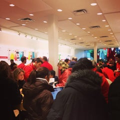Photo taken at Apple Store, Carrefour Laval by Jonathan P. on 12/24/2012