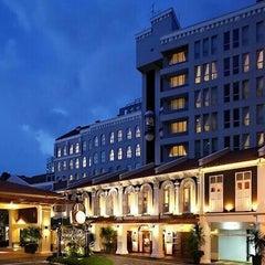 Photo taken at Albert Court Village Hotel by MYswarm on 12/27/2012
