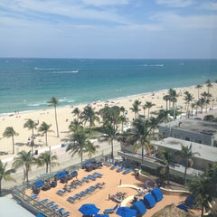 Photo taken at Courtyard by Marriott Fort Lauderdale Beach by Sobe R. on 4/20/2013