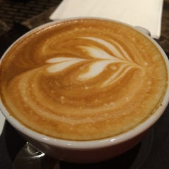 Photo taken at Gold Class Lounge @ VivoCity by Justin C. on 10/1/2014