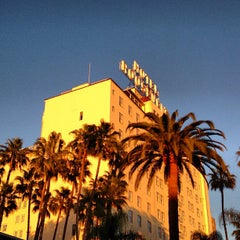 Photo taken at The Hollywood Roosevelt by Damon C. on 2/17/2013