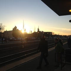 Photo taken at Metra - Elmhurst by Jerome H. on 11/13/2012