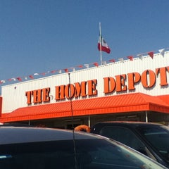 Photo taken at The Home Depot by Homero E. on 5/19/2013