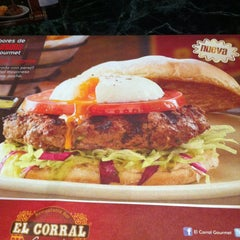 Photo taken at El Corral Gourmet by Oscar H. on 5/9/2013