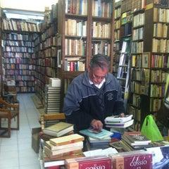 Photo taken at Librería El Ático by Claudia N. on 3/3/2013