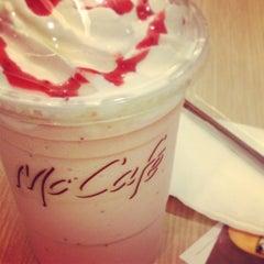 Photo taken at McDonald's & McCafé (แมคโดนัลด์ & แมคคาเฟ่) by Namtarn A. on 4/2/2013