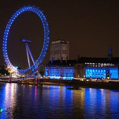 Photo taken at The London Eye by Marcio C. on 7/10/2013
